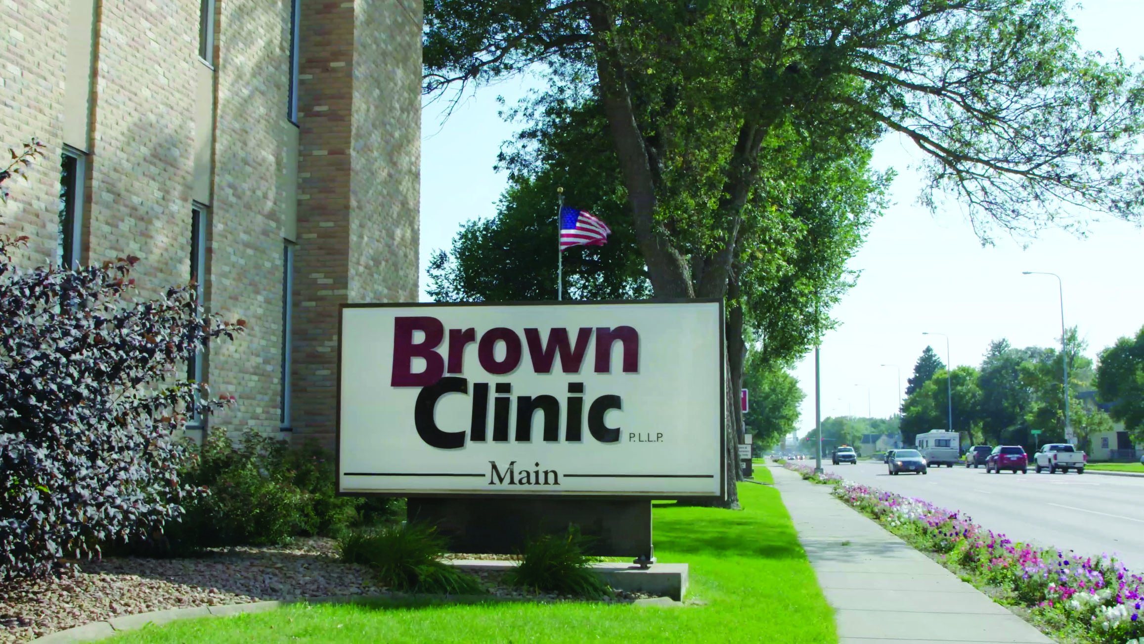 com-brown-clinic-outdoor-sign-success-story